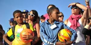 """Trophée Roses des Sables : 35 tonnes de matériel pour les """"Enfants du désert"""""""