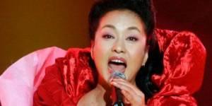 Chine : Peng Liyuan, Première dame, chanteuse et général de l'Armée populaire