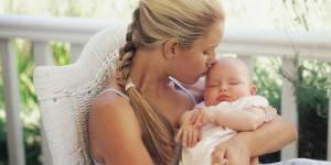 Congé maternité : il doit être plus long et les entreprises doivent mieux s'adapter