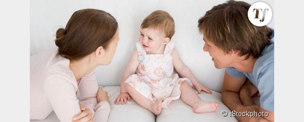 Vers un congé parental partagé entre père et mère, plus court et mieux rémunéré ?