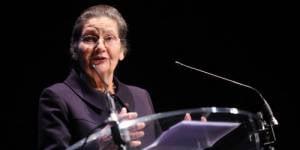 Veil/Foresti : seules femmes du top 10 des personnalités préférées des Français
