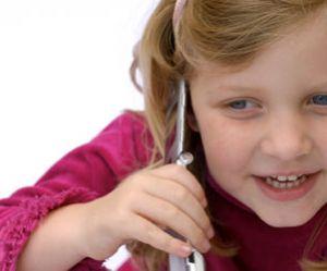 """Téléphones portables : """"Les ondes devraient être classées cancérigènes"""", selon BioInitiative"""