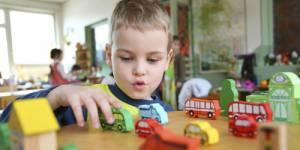 Les enfants de 2 ans de retour sur les bancs de l'école