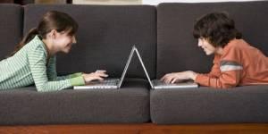 Sur Internet, filles et garçons ont les mêmes pratiques