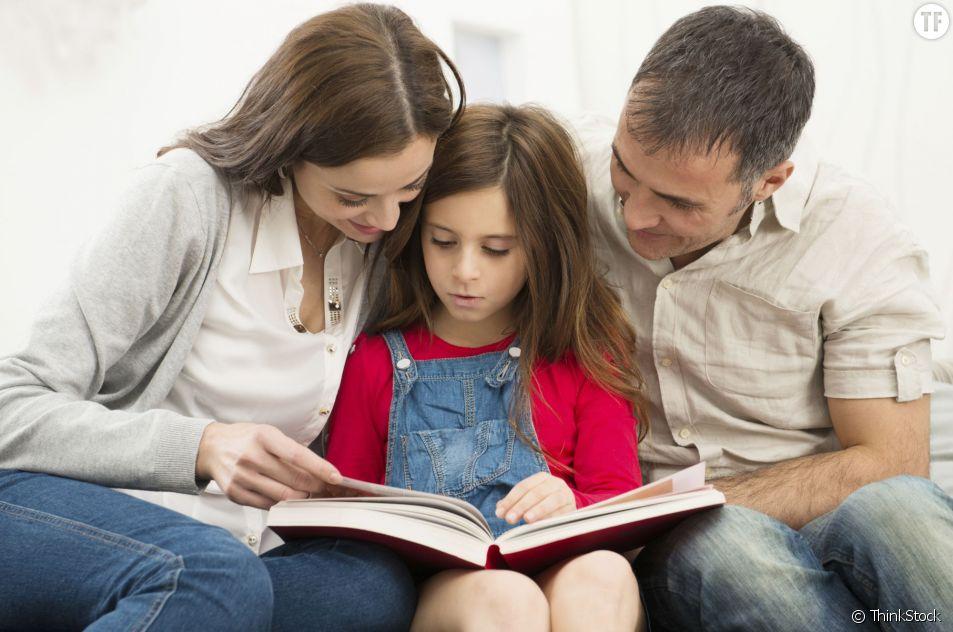 Les parents qui aident trop leurs enfants à faire leurs devoirs pourraient être responsables de leurs mauvaises notes.