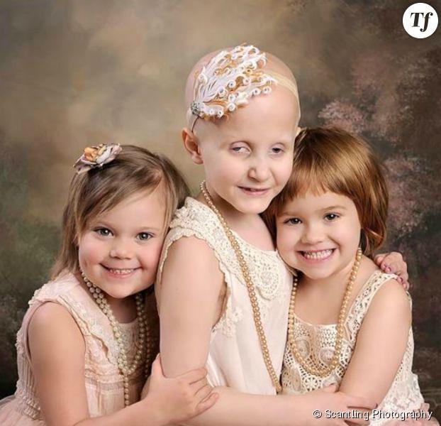 Rheann, Ainsley et Rylie posent après avoir vaincu le cancer