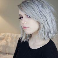 le granny hair la tendance cheveux qui donne envie de se teindre en gris. Black Bedroom Furniture Sets. Home Design Ideas