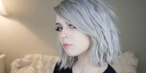 Le granny hair : la tendance cheveux qui donne envie de se teindre en gris