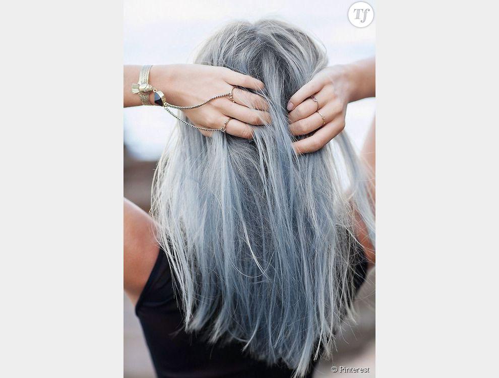 plus clairs au niveau des racines les cheveux gris se d clinent ici vers le bleu au niveau des. Black Bedroom Furniture Sets. Home Design Ideas