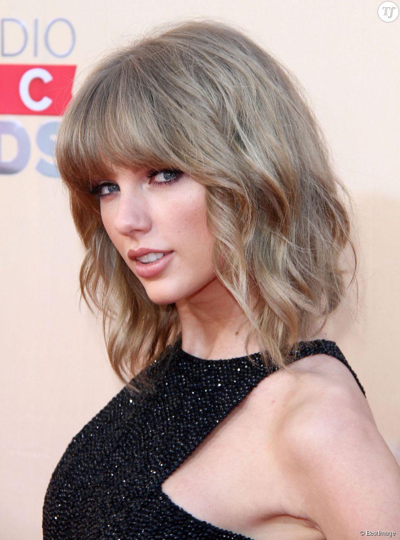 Quelque chose de nouveau assez Taylor Swift affiche un blond naturel mis en lumière par un #GD_42