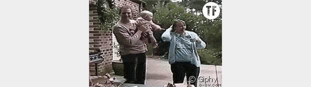 Tenir un bébé, mode d'emploi