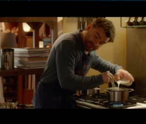"""Clovis Cornillac donne une leçon de cuisine à Mélanie Bernier dans """"Un peu beaucoup aveuglément"""""""