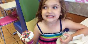 """L'école de cette fillette de 5 ans juge sa robe """"inappropriée"""", son père réagit"""