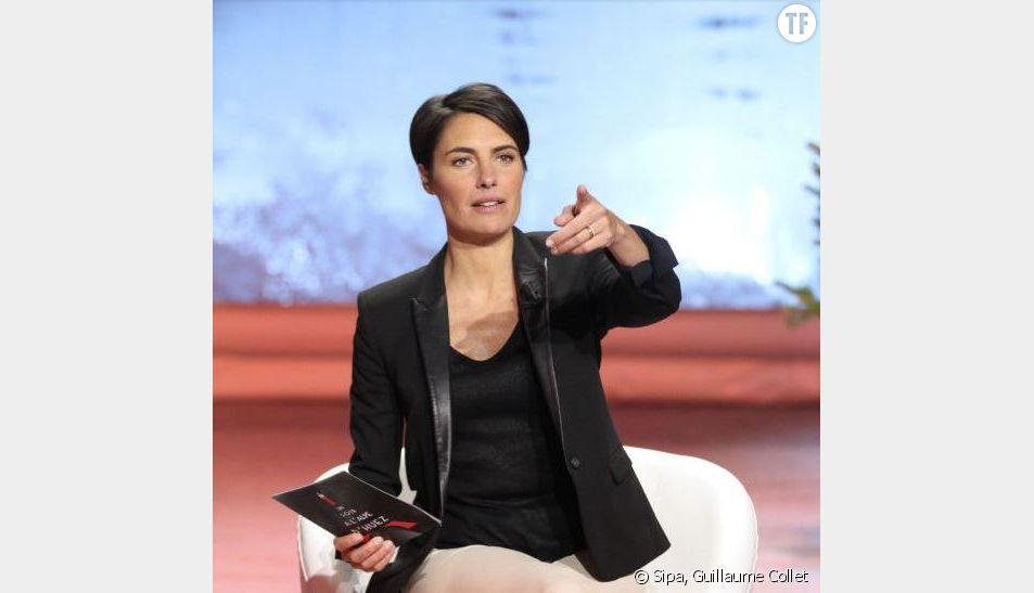 """Alessandra Sublet présente chaque semaine le talk-show """"Un soir à la Tour Eiffel"""" sur France 2"""