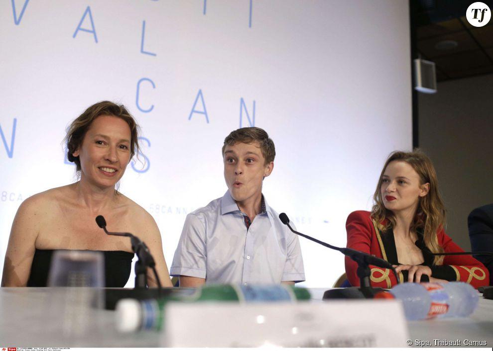 """Rod Paradot, Emmanuelle Bercot et Sara Forestier à la conférence de presse de """"La Tête haute"""" à Cannes."""