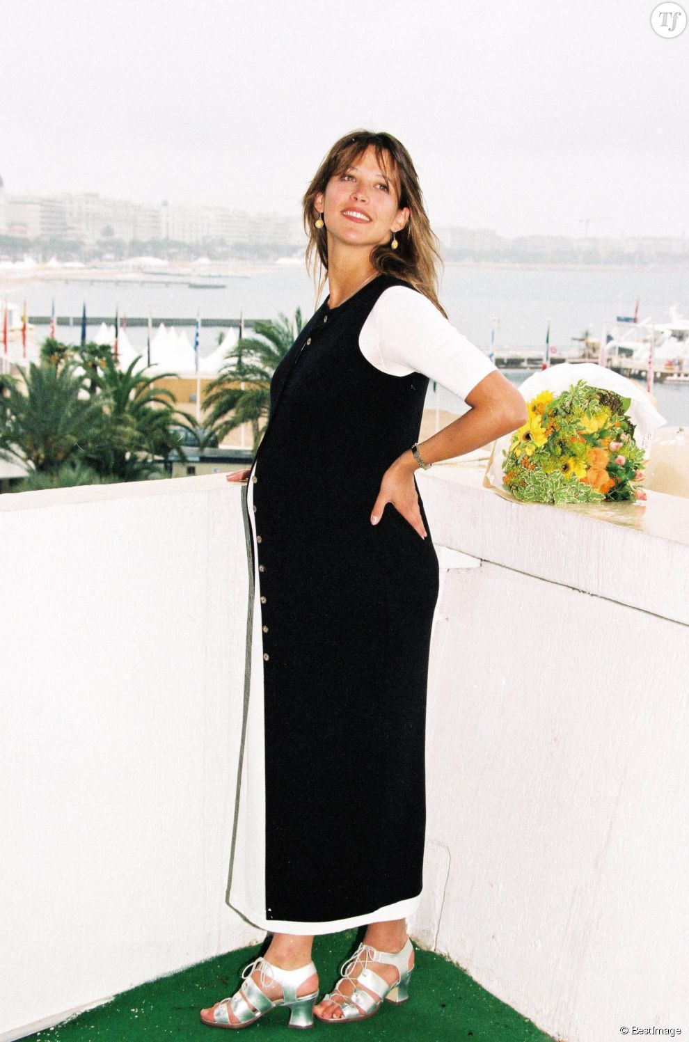 Sophie marceau, enceinte, au Festival de cannes en 1995