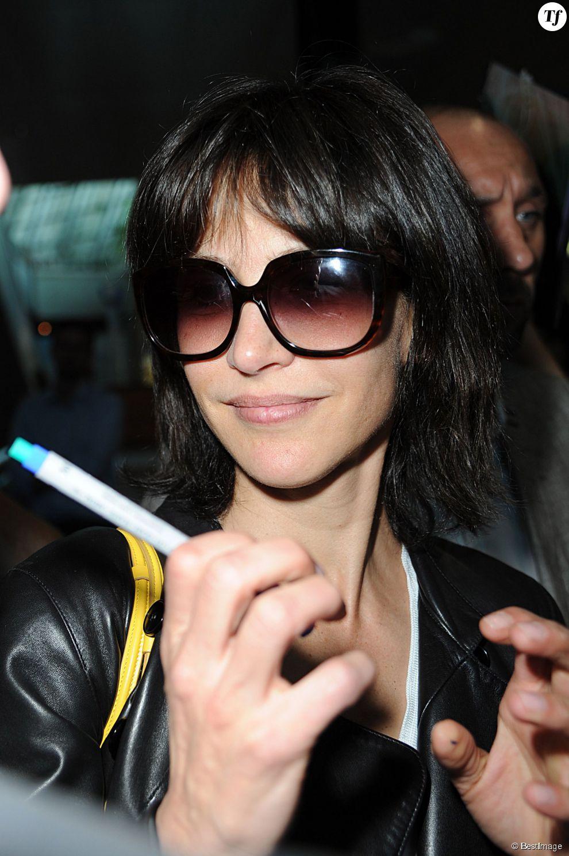 Sophie Marceau à l'aéroport de Nice pour le Festival de Cannes 2015