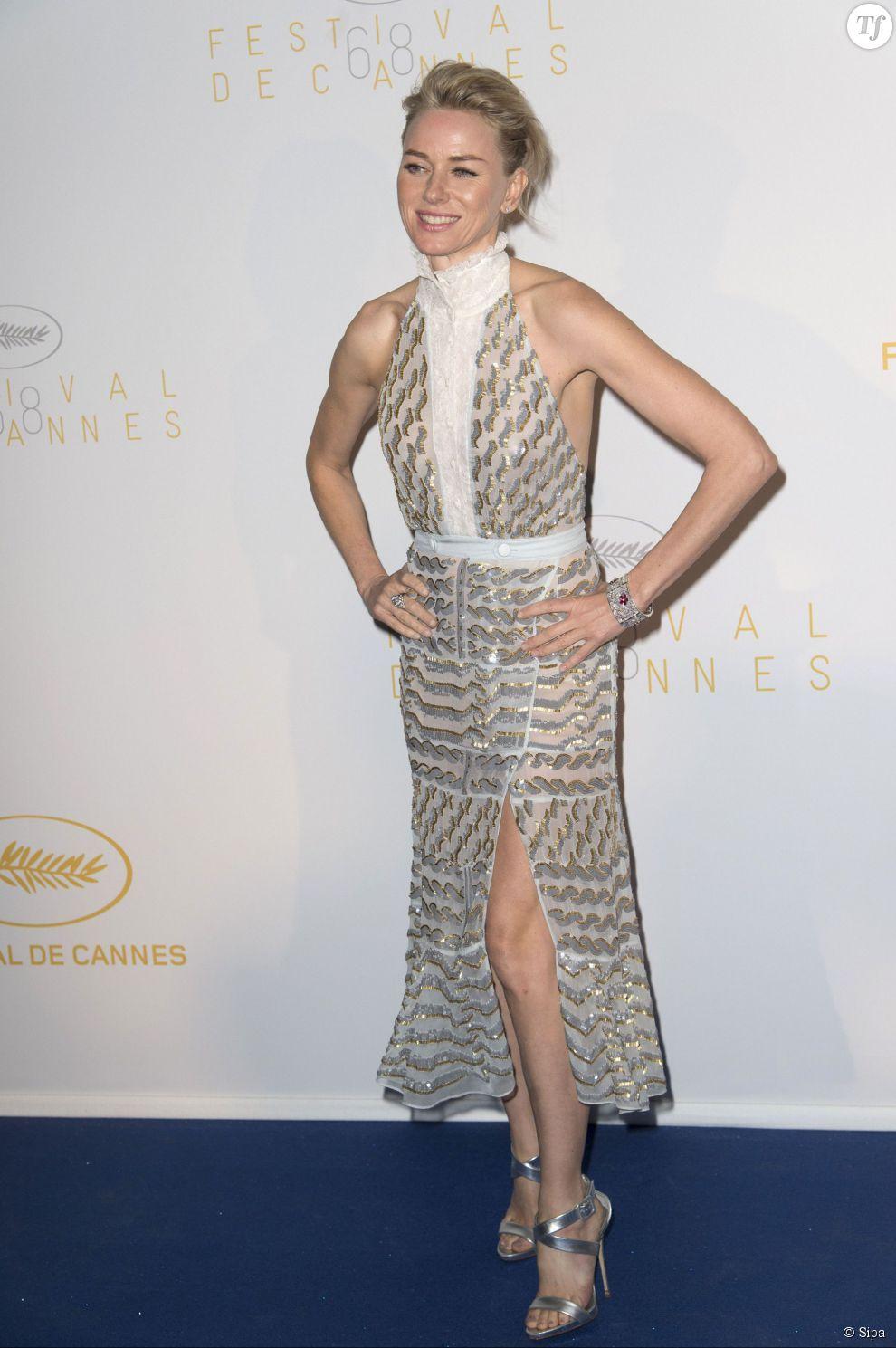 Naomi Watts lors de la cérémonie d'ouverture du Festival de Cannes 2015 le 13 mai 2015