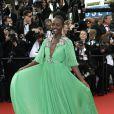 Lupita Nyong'o sur le tapis rouge de la cérémonie d'ouverture du Festival de Cannes 2015 le 13 mai 2015