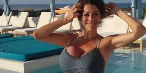 Rachel roxxx gros seins à lécole