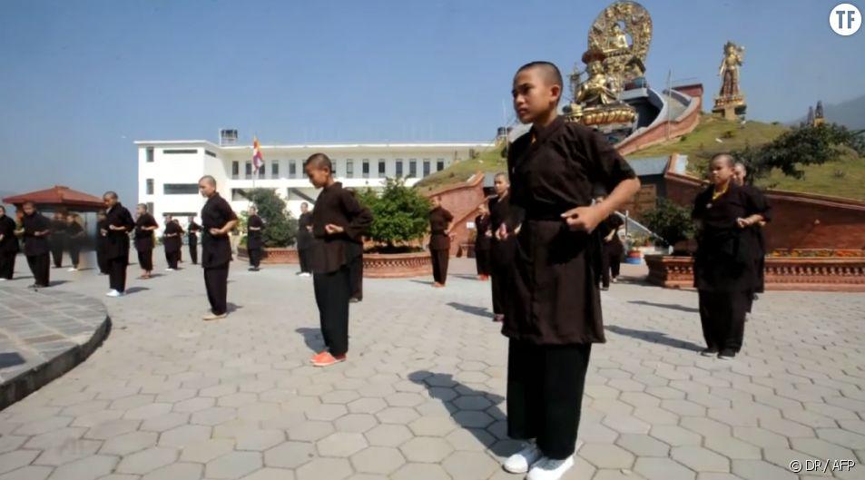 """Capture d'un reportage de l'AFp sur les """"kung fu nuns"""""""