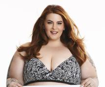 "Tess Holliday : la star des mannequins ""plus size"" pose en bikini"