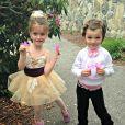 Jacob et sa soeur, lorsqu'il refusait de s'habiller en princesse