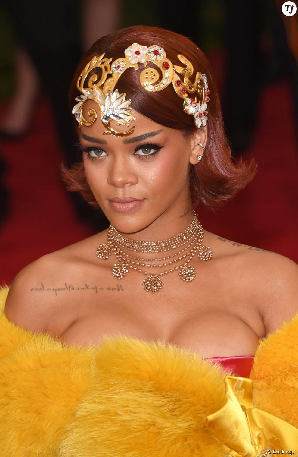 Rihanna - Soirée Costume Institute Gala 2015 (Met Ball) au Metropolitan Museum célébrant l'ouverture de Chine: à travers le miroir à New York, le 4 mai 2015.