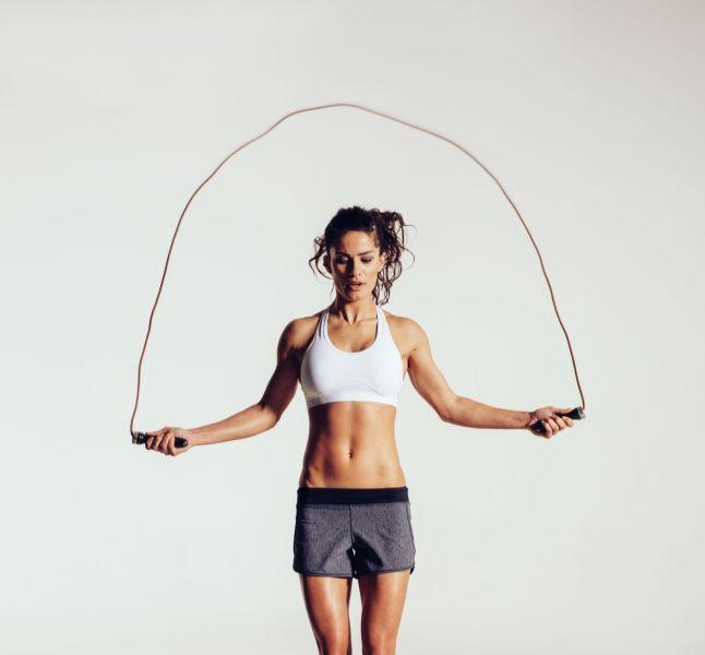 4 Exercices De Corde A Sauter Pour Maigrir Terrafemina
