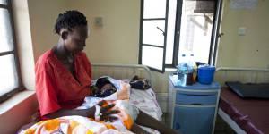 Insultées, giflées, pincées : l'incroyable boom des femmes maltraitées durant leur accouchement