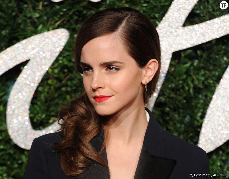 Emma Watson a été sacrée star aux pieds les plus sexy