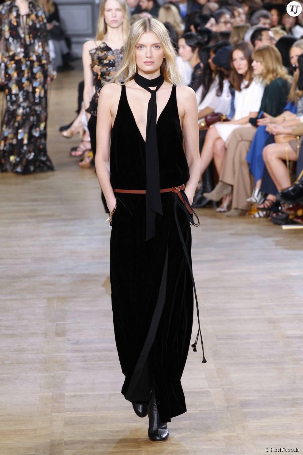 robe en velours noir au d fil pr t porter automne hiver 2015 2016 chlo terrafemina. Black Bedroom Furniture Sets. Home Design Ideas