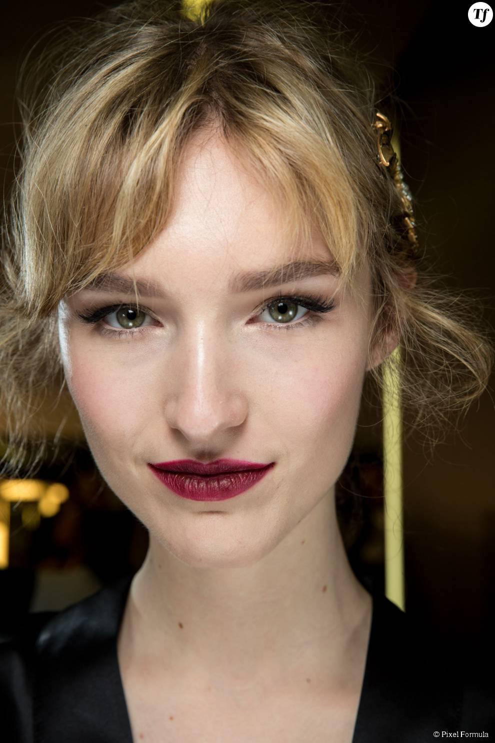 Maquillage : bouche rouge chez Dolce & Gabbana automne-hiver 2015-2016.