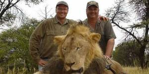 Cecil le lion : qui est son assassin Walter Palmer, l'homme le plus détesté d'internet ?