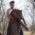 Walter Palmer avec un léopard qu'il a tué
