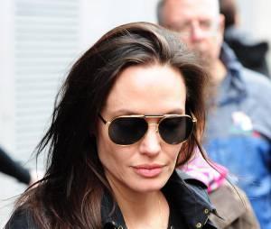 Angelina Jolie : elle a peur que Brad la trompe avec Sienna Miller sur le tournage de leur film