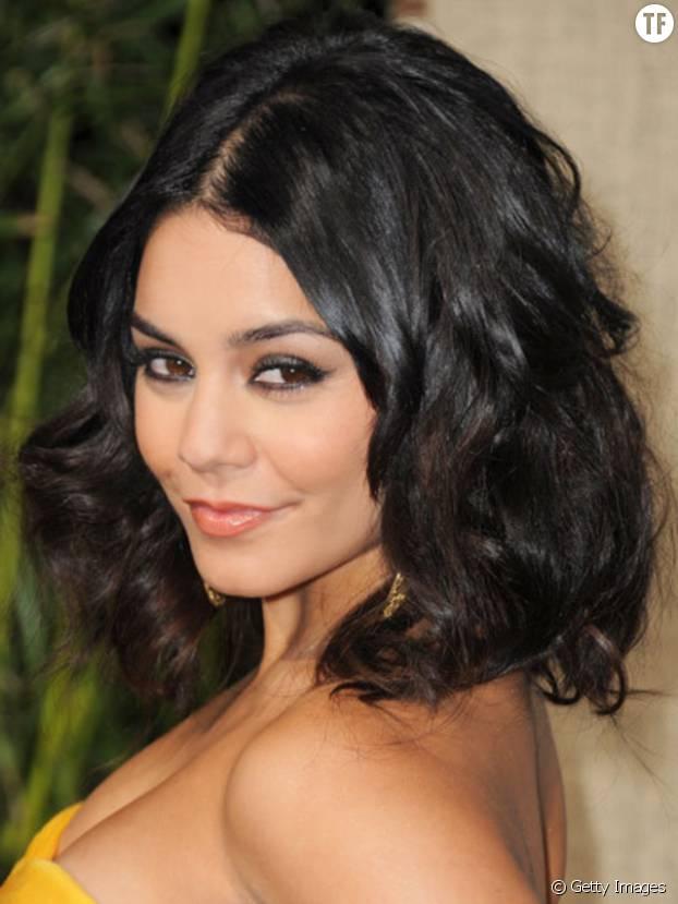 Relativ Les 10 plus belles coiffures pour cheveux bouclés EU44