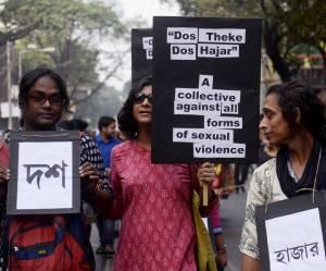 Une touche SOS sur le portable des femmes en Inde