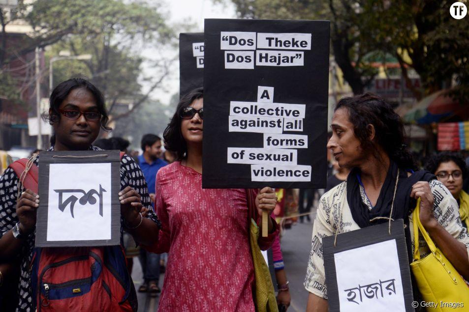 Des femmes manifestent à Delhi contre le cauchemar des violences sexuelles en Inde, où une femme est violée toutes les 22 min.