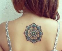 20 idées de tatouages mandala pour filles zen