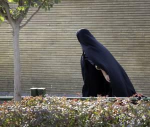 Iran : une femme reçoit cent coups de fouet en public