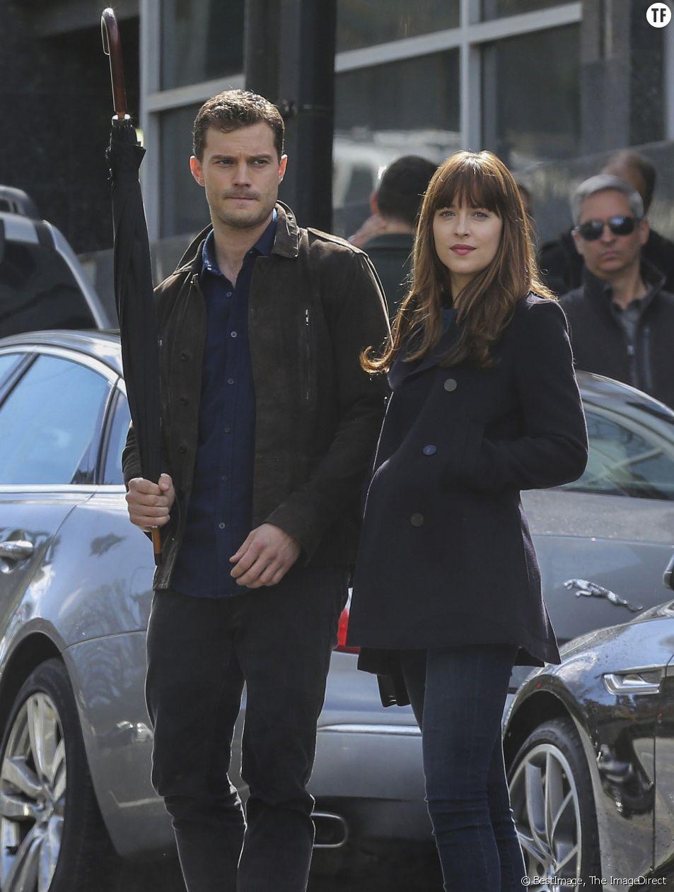 Dakota Johnson et Jamie Dornan sur le tournage de Fifty Shades Darker à Vancouver le 4 avril 2016