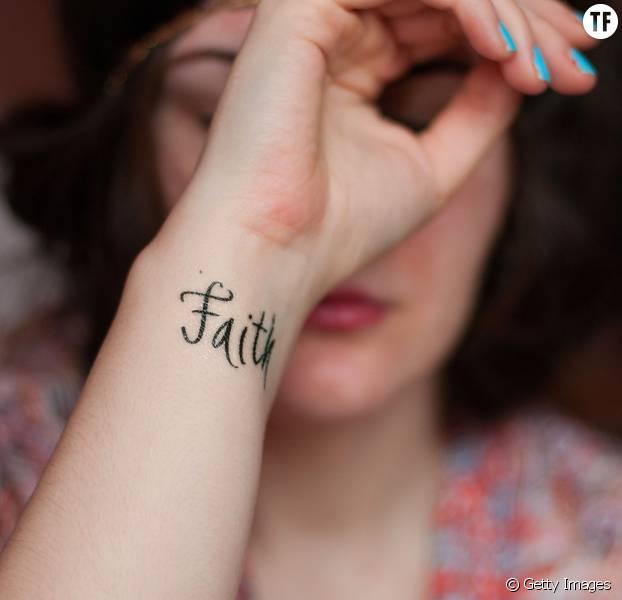 18 petits tatouages qui ont une grande signification - terrafemina