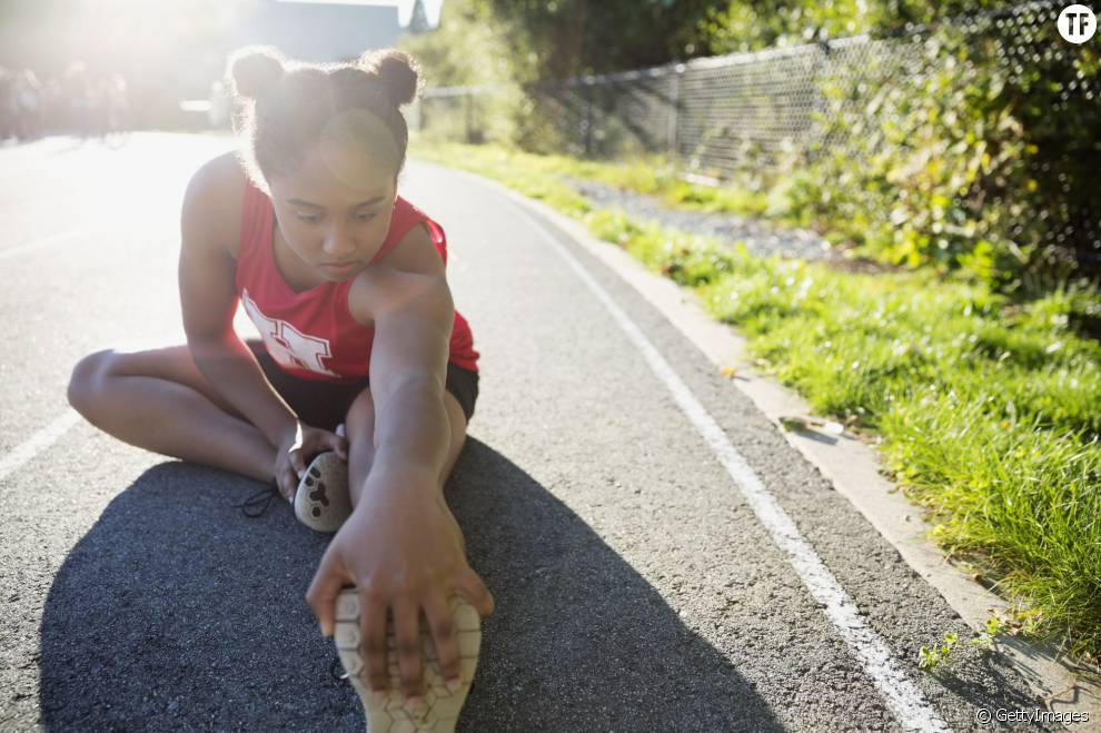 Comment la poitrine et la puberté poussent les filles à arrêter le sport
