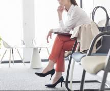 Peut-on obliger les femmes à porter des talons au travail ?