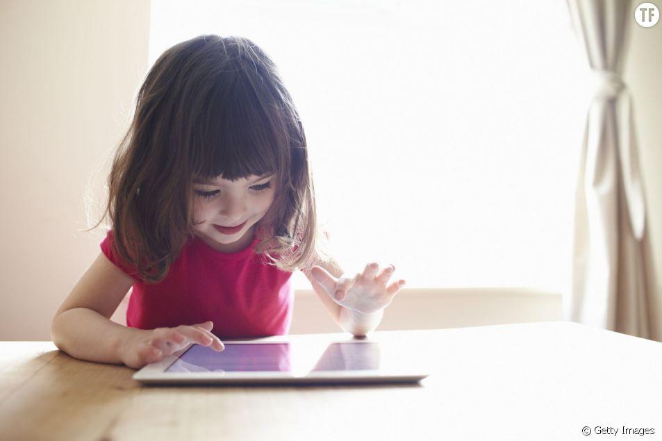L'écran tactile, un aimant à enfant