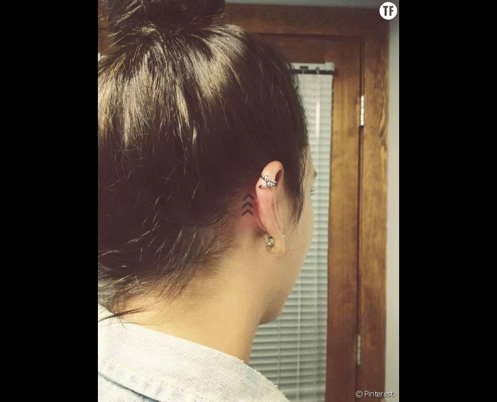 Tatouage Oreille Femme concernant derrière l'oreille : flèches