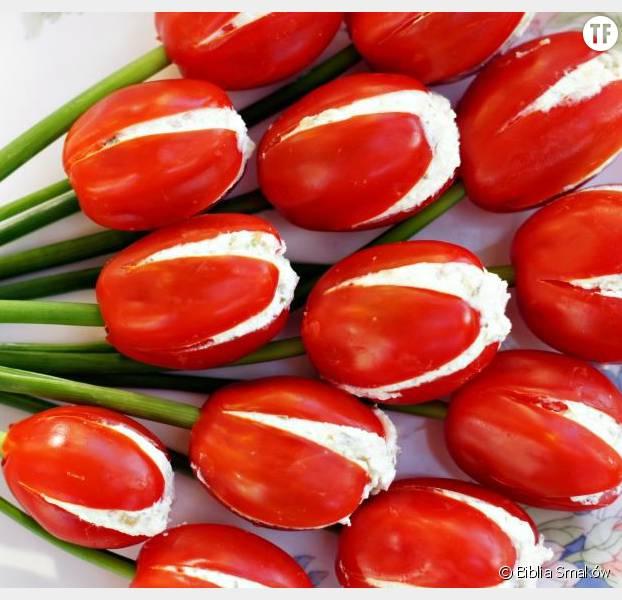 Les tulipes tomates cerises au fromage pour l'apéritif