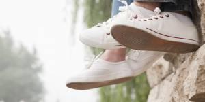 L'incroyable astuce pour nettoyer les baskets blanches