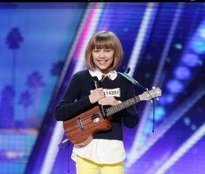 Sur le plateau d'America'S Got Talent (NBC), Grace VanderWall bluffe tous les menbres du jury et nottament Simon Cowell, connu pour son franc parlé et son cynisme